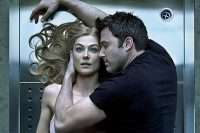 gone-girl-affleck-pike-fincher-photo